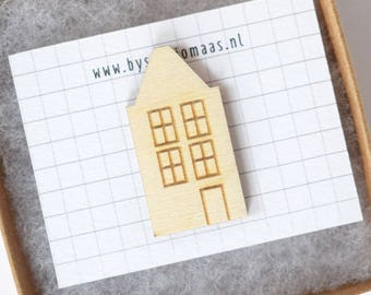 House pin, wooden house brooch, Amsterdam, Dutch souvenir, housewarming gift, for her, wood pin, little house pin, studio maas