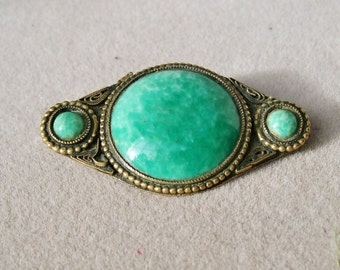 Victorian Green Stone BRASS BROOCH Hollow Ware C Clasp Hand coiled Wire Detail Cabochon