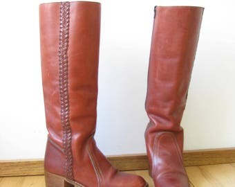 Vintage 1970s Tall Leather Boots  / Womens Brown Leather Boots /70s Knee High Zip Up Boots / Made in Brazil / Size 8 1/2 B
