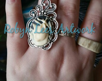White Cat Kitten Cabochon Adjustable Silver Ring in Elegant Swirly Frame. Gothic, Victorian, Cute, Pets, Animals