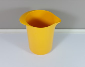 Vintage Rosti yellow melamine pitcher, Erik Lehmann design - Rosti #2511 - Made in Denmark - Danish pitcher - Utensil holder - Batter bowl