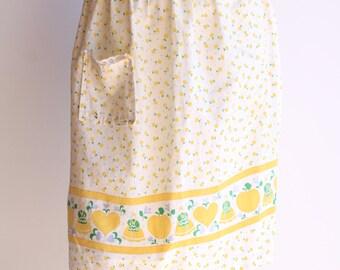 60s/70's Vintage White and Yellow Folk Print Cotton Apron