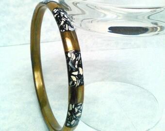 Vintage bracelet Brass abalone black enamel bracelet brass bracelet Abalone bracelet black and gold bracelet Vintage brass bracelet