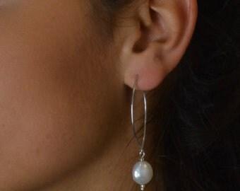 Simple pearl drop loop earrings / white pearl beaded earrrings / long pearly earrings /  coin pearl wedding earrings
