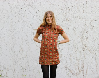 VTG 70s Red Flower Pattern Trippy Psycheldelic Mod Hippie dress 1970s gogo 1960s mini dress