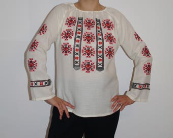 Vyshyvanka Bohemian embroidered linen, beige blouse, shirt, tunic Ukrainian blouse Ukrainian Vyshyvanka Ethnic. Traditional hand embroidered