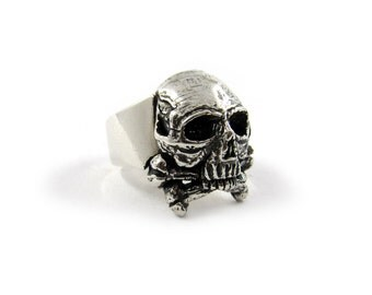 Skull ring, skull and crossbones ring, biker ring, gothic ring, occult ring, harley davidson, alchemy gothic ring, memento mori ring