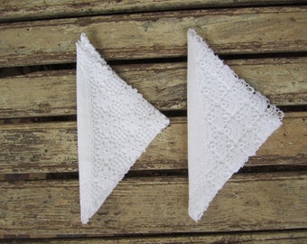 Two Vintage Ladies Linen and Lace Handkerchief - Irish linen - Wedding - Bridal