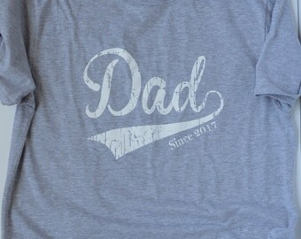 New Dad Gift. Dad Since 2017 T-Shirt  Father's Day Gift for Him
