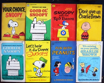 24 Vintage Charlie Brown Comic Books - Charles M. Schulz - 1980s - Printed in the USA - Paperback