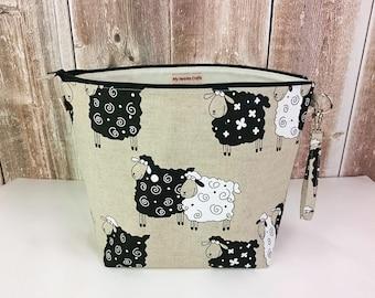 Project Bag in sheep print linen, Zipper Bag, Knitting Bag, Project Bag, Sock Knitting Bag, Wedge Knitting Bag