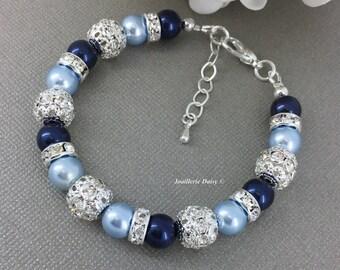 Swarovski Pearl Bracelet, Light Blue and Navy Pearl Bracelet, Bridesmaids Bracelet, Bridesmaids Gift on a budget, Shades of Blue Bracelet