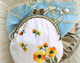 Vintage Coin Purse, UpCycled Vintage Hankie, Wedding Purse, Ring Bearer, Jewelry Holder, Gifts for Women, Embroidered Flowers, Mothers Day