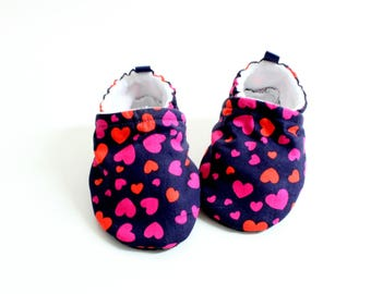 Love is in the air navy heart baby shoes - Baby shoes, Pre walker, soft sole, crib shoes, baby booties, baby moccs, baby girl shoes
