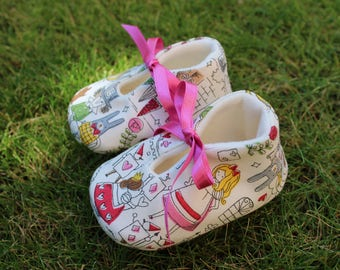 Shoes de Bebe Alicia in Wonderland-various sizes