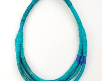 mia necklace - peacock