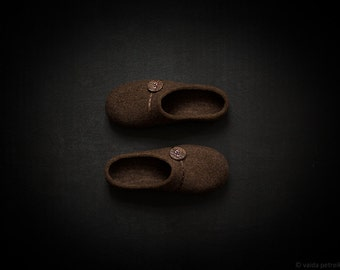 Natural wool step in slippers for women felted from coffee brown organic wool - eco friendly felted house shoes with rubber soles