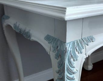 SOLD*******Gorgeous French Provincial LANE Furniture Claw Foot Side Table - Hand Painted Louie XV Style End Table - Decorative Table