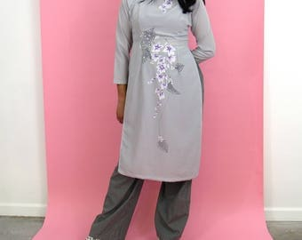 90s Floral Dream Ao Dai / Vietnamese Dress with Floral Details / Small-Medium