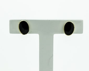 A Pair  Neat And Easy To Wear Gold And Onyx Studs   SKU912