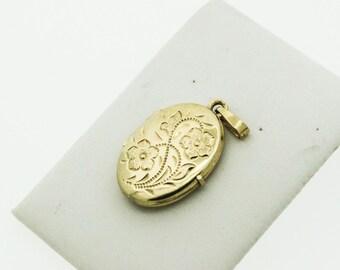 A 9ct Oval Gold Locket   SKU999