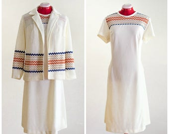 1970s off white two piece dress set with zig zag detail