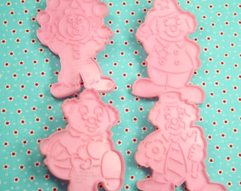 Collectable Wilton Clowns 1990 Cookie Cutter Set