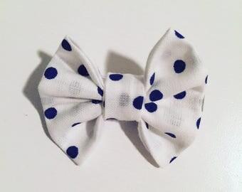Bar node in cotton white to blue marine