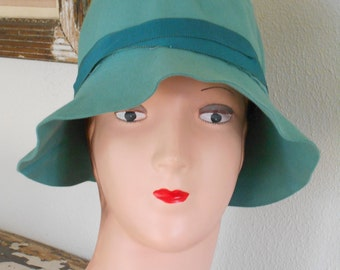 1920's Sea Foam Green Felt Flapper Cloche/Hat