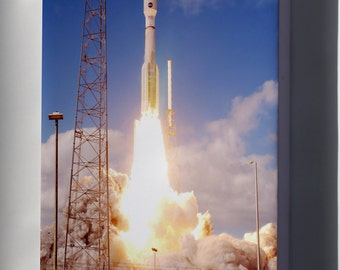 Canvas 24x36; Atlas V 551 Roars Into Blue Sky With The New Horizons Spaceprobe