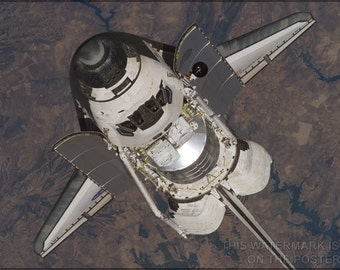 16x24 Poster; Space Shuttle Discovery In Orbit