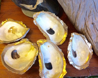 5 Gilded Oyster Shell Dishes with Painted Gold Rim and Clear Gloss Finish Nautical Decor Beach Theme Favor Cape Cod Table Accent Ocean