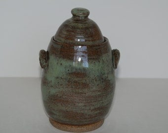 Handmade pottery container with lid. Handmade pottery canister with lid.