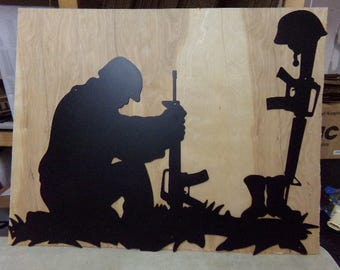 Soldier Praying CH 13 Metal Yard Art