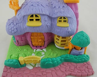 Polly Pocket Bluebird Rabbit house ,1994