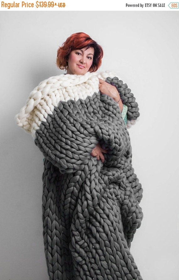sale two color chunky knit blanket chunky blanket by jennysknitco. Black Bedroom Furniture Sets. Home Design Ideas