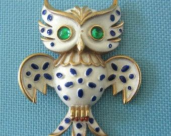 Crown Trifari 1967 Precious Pets Enamel Owl Brooch - Ad Piece