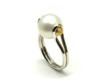 11mm Pearl ring, solid sterling silver ring, silver pearl ring, solid 9ct yellow gold, yellow gold screw heads, fresh water pearl