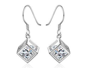 1 Pair of earring