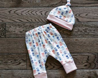 Baby Leggings, Toddler Leggings and Hat Set - Petite Floral Print with Light Pink Cuffs Cotton Jersey Knit Baby Leggings and Hat Set