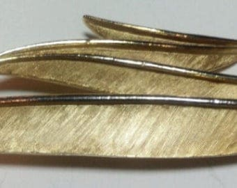 Vintage Trifare Gold Tone Feather Brooch/Pendant