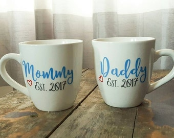 Mommy to be mug - daddy to be mug - baby shower gift - coffee mug - mom to be - dad to be - expecting parents - pregnancy - announcement