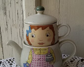 Selfish teapot stackable girl vintage 80 s