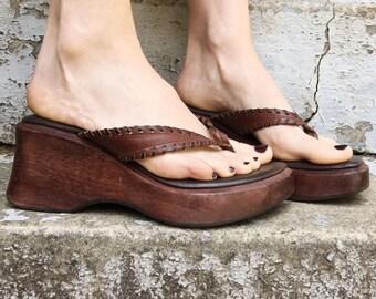 FLASH SALE Vintage 90s Steve Madden Brown Leather Woven Thong Flip Flop Platform Wedge Summer Sandals 6.5