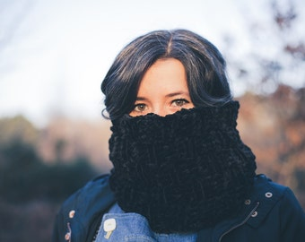 Soft Velvet Black Vegan Snood