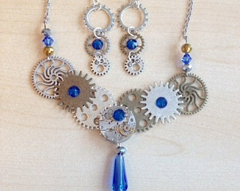Steampunk jewelry set with cogs, gears and Swarovski crystal blue