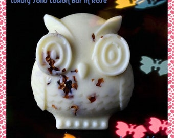 Cocoa Butter Lotion Bars with Coconut Oil, Sweet Almond Oil, Beeswax, White Tea and Pomegranate Fragrance, with Rose Buds