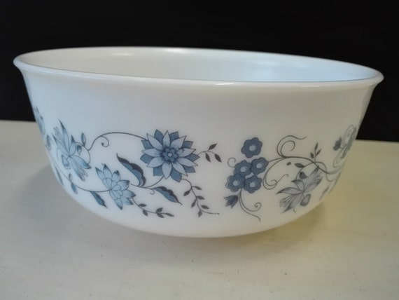 Arcopal blue flowers, bowl