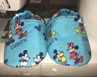 Mickey and minnie  6-12 month crib shoes