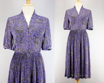 70s Japanese Iris Purple Paisley Print Dress/ Ruffled Collar Button Down Shirt Dress/ Pleated Midi Skirt/ Sheer Chiffon Secretary Dress/ XS